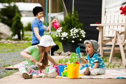 Выбор летней одежды для детей
