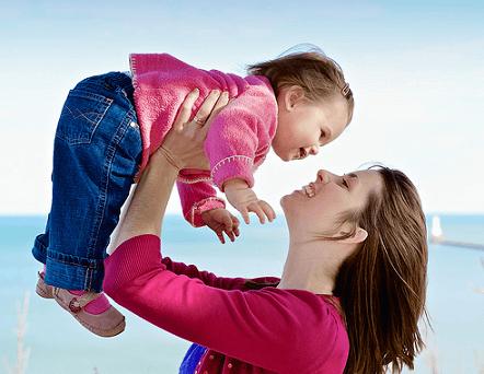 Малыш и мать